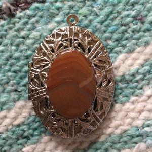 Jewelry - Vtg Lovely Oval Locket w/ Stone Pendant